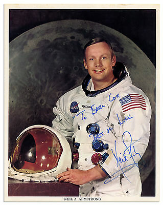 Excellent Neil Armstrong Signed 8'' x 10'' Photo