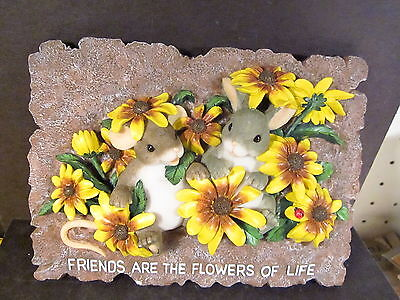 Charming Tails 93/714 FRIENDS ARE THE FLOWERS OF LIFE PLAQUE