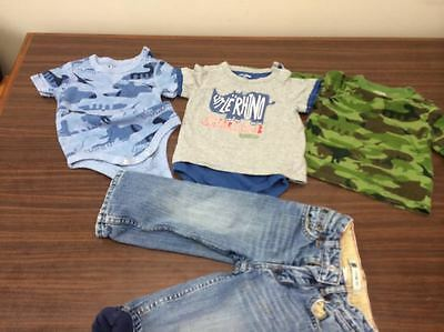 Lot of  Baby Boys Gap Clothes 2 onezies ,  top and fleece lined jeans - sz 18-24