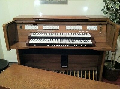 REDUCED Rodgers Insignia 527 Digital 2-Manual  Organ with MIDI (ca 9 years old)