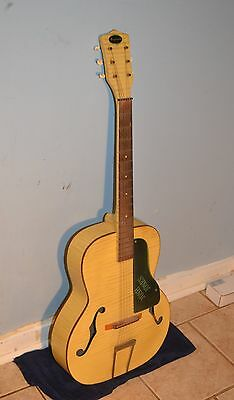 VINTAGE HARMONY / REGAL AIRLINE 1965  ACOUSTIC ARCHTOP GUITAR