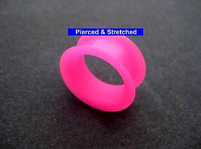 ONE 24mm DOUBLE Flare PINK Silicone TUNNEL - Tunnels & Plugs