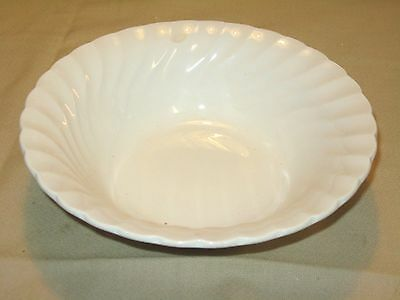 Vintage OLD CHELSEA BY FRANCISCAN STAFFORDSHIRE England White Swirl Serving Bowl