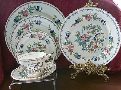 Aynsley PEMBROKE 6 Piece PLACE SETTING including RIMMED SOUP BOWL - England