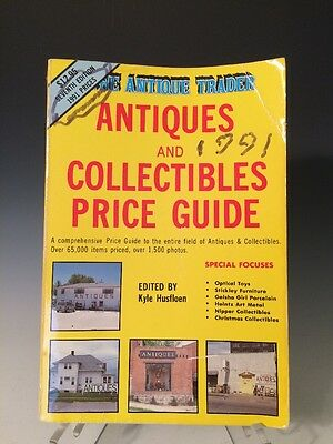 The Antique Trader Antiques and Collectibles Price Guide (1990, Paperback)