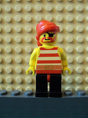 Pirate Bandit Minifigure w// Black Jacket Red//Gold Vest /& Pistol Beard LEGO