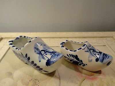 """LOT OF 2 HAND PAINTED BLUE DELFT DUTCH SHOES WITH WINDMILL - 5"""" & 4"""" LONG-#8015"""