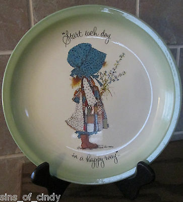 """Holly Hoobie™ Collectors Plate ©American Greetings Corp. 1972 """"Start each day .."""