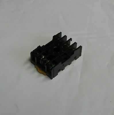 Omron Relay 8 Pin, Base, PF085A, Used, Warranty