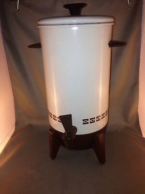 Vintage 22 cup coffee maker - Mirro brand - Tan with Brown trim