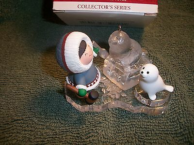 HALLMARK KEEPSAKE CHRISTMAS ORNAMENT 2000 FROSTY FRIENDS MAKING ICE SCULPTURE