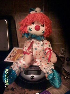 """VINTAGE CLOWN DOLL TOY WIND UP HEAD ROTATES MUSIC BOX """"It's a small world"""""""
