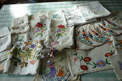 VINTAGE HAND EMBROIDERED LINENS -JOB LOT OF 26 PIECES -BEAUTIFUL EMBROIDERY