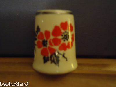RED POPPY PATTERN PLATINUM TRIMMED CHINA THIMBLE - new