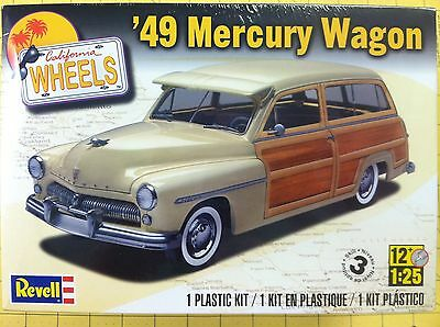 Revell 85-4996 - '49 Mercury Wagon Plastic Model Kit 1/25th Scale Kit