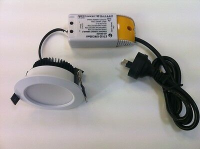 2 X white Color Finish Dimmable LED Downlight kit 12W LED Ceiling Fixture =100W