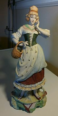 Vintage Porcelain Figurine Woman ( 1940's ,made In Japan) with gold hand painted