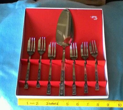 Vintage Never Used Serving Cake Lifter With Matching Set Of Dessert Forks.