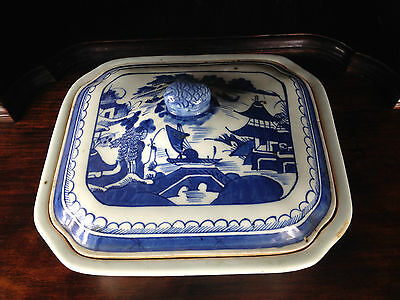 Antique Chinese Blue And White Tureen 19Th Century