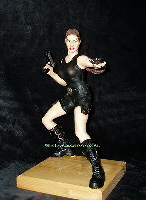 Tomb Raider 1/5 Lara Croft  w Guns in Black Leather Outfit Unpainted Resin Kit