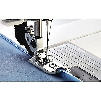 Pfaff Narrow Rolled Hem Foot 3mm