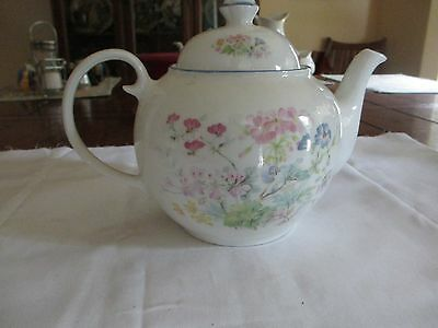 Wade Royal Victoria Bone China Tea Pot, England