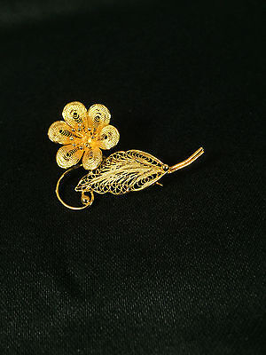 Sterling Silver Gold Plated Filigree Six Petal Flower with Leaf Pin