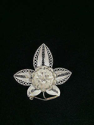 Sterling Silver Filigree Flower in Center with Pollen & Five Petals Pin