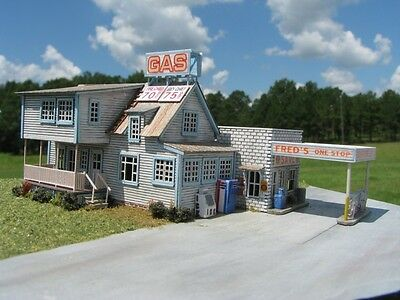 Z Scale Fred's One Stop Structure Building Kit for Model Railroad Hobby (4701)