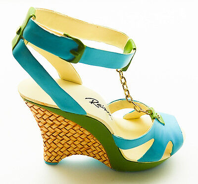 Just the Right Shoe by Raine and Lorraine Vail: Jasmine #J110112