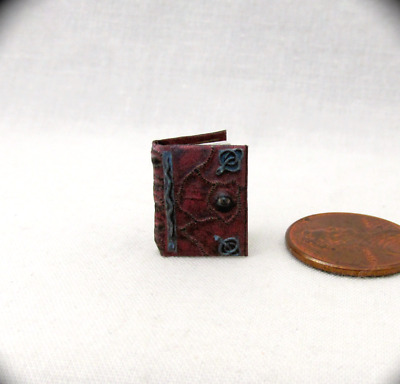 1:24 Scale HOCUS POCUS SPELL BOOK Miniature Book Dollhouse Illustrated Book