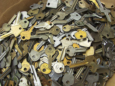 Large Lot of  Misc Key BLANKS 3.5+Lbs  HOUSE,CARS,etc.Lot of old and vintage
