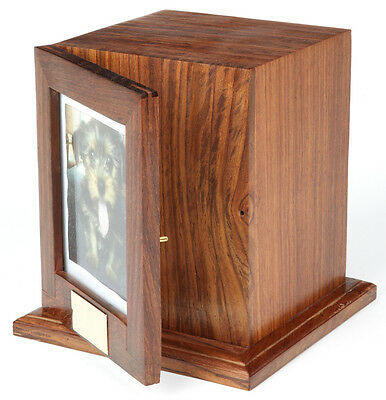 Bootle Wooden Pet Cremation Urn UU540014A