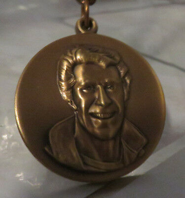 """Chain Necklace 1970s """"The Fonz"""" Happy Days Official Fonzie Bronze Medal Pendant"""