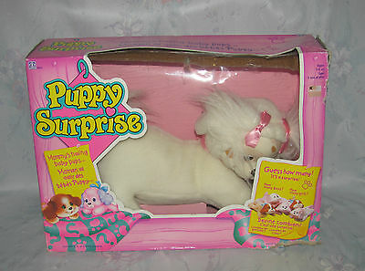 Vtg Hasbro Puppy Surprise Loose with Box - White & Brown Mama, 4 Babies