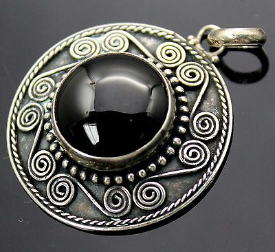 Vintage Round Faux Black Onyx Scroll Twisted Rope Edge Sterling Silver Pendant