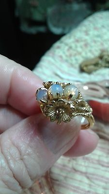 Vintage Beautiful Gold Plate Costume Harlequin Simulated Opal RING sz 7.5 - 5.8g