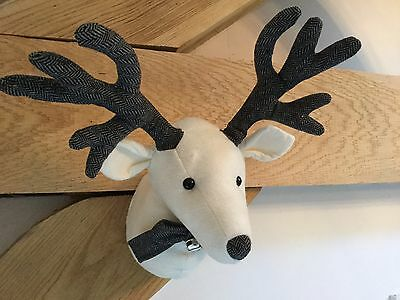 White Fabric Wall Reindeer Stag Head Christmas Decoration Vintage Antlers Snow