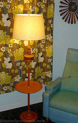 VINTAGE TRAY TABLE FLOOR LAMP FUNKY MOD ORANGE & YELLOW w/ PAISLEY FLOWER ACCENT