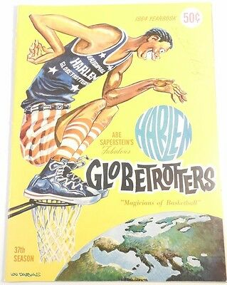 Satchel Paige signed 1964 Harlem Globetrotters program AUTOGRAPH