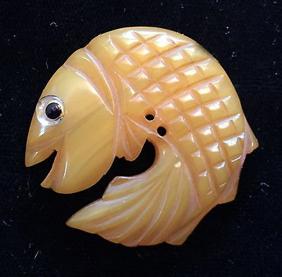 Awesome Antique / Vintage Figural Carved Fish Bakelite Button With Glass Eye