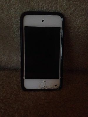iPod 4 8GB With Case