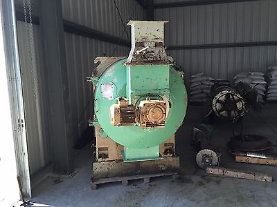 UMT Pellet Mill, 250 HP Motor with feeder and conditioner