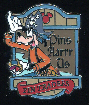 DLR Pirates of the Caribbean Goofy GWP Disney Pin 49085