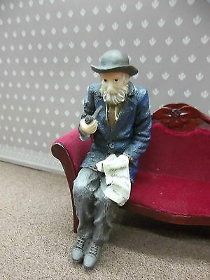 Dolls House Miniatures 1/12th Scale Resin Resin Sitting Old Man DP310 New