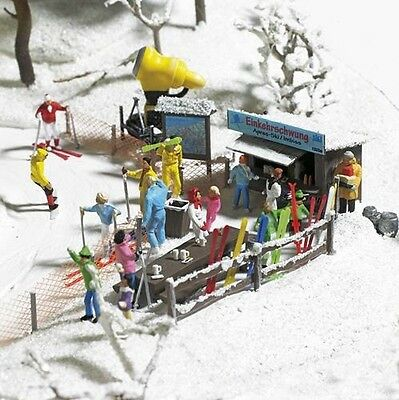 Busch 1170 - 'Ski Slope Party' Plastic Kit - HO/OO Scale - Tracked 48 Post