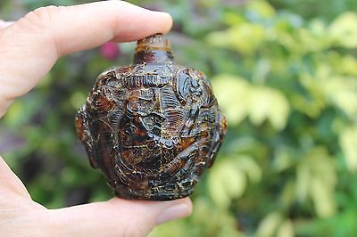 Antique Chinese natural carved amber snuff bottle with 2 carps, Qing/Ming dynast