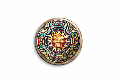 Celtique Badge 25mm Button Pin Lune et soleil 1