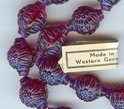 20 VINTAGE LUCITE Flower BEADS W GERMANY Raspberry BLUE PLASTIC moulded 16mm lot