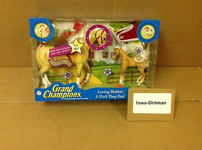 Grand Champions Loving Mother & First Step Foal Palomino 4265113 New Play Set